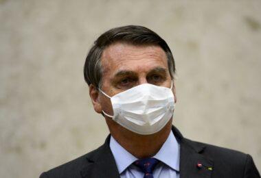 Bolsonaro autoriza investimento de R$ 1,68 bilhão em projeto para garantir acesso as vacinas contra a Covid-19