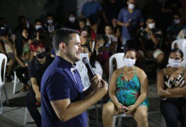 Coligação 'Aliança por Manaus' promove adesivaço e carreata