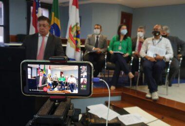 TCE-AM aprova contas de Arthur Neto, mas recomenda realização de concurso público
