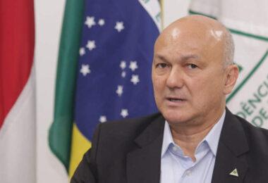 Coronel Menezes não vai apoiar ninguém no segundo turno e comunica pessoalmente Amazonino