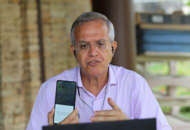 Romero faz programa eleitoral gravado com celular