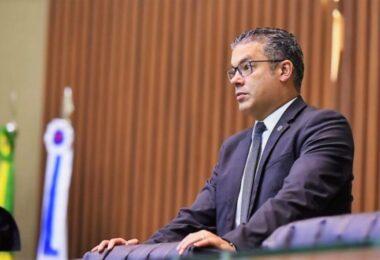 Amargando derrotas e investigado pelo MP-AM, Josué Neto está à beira do ostracismo político