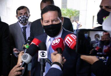 'Não tinha como prever o que ia acontecer em Manaus', diz Mourão sobre a Covid-19