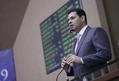 Deputado intermedia entre prefeituras e Governo repasse de R$ 100 milhões para combate à Covid-19 no interior do AM