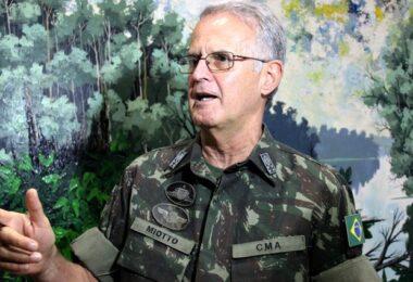 General Miotto é alvo de fake news sobre a própria morte