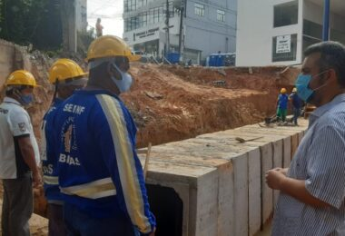 Vereador Peixoto acompanha recuperação da Avenida João Valério