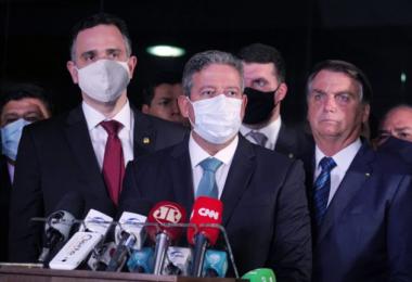 Bolsonaro entrega ao Congresso MP para tentar acelerar privatização da Eletrobras
