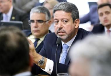 Presidente da Câmara afirma que a Reforma Tributária será dividida em três ou quatro projetos