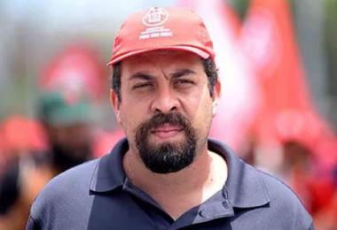 Boulos e mais dois viram réus em caso de invasão de tríplex no Guarujá