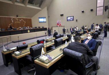 Após passar por alterações, Lei que proíbe cortes de água e energia é aprovada na Assembleia Legislativa