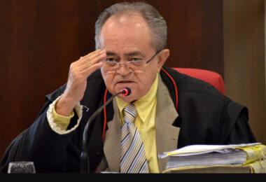 Desembargador do Tribunal de Justiça, Djalma Martins, é entubado por conta da Covid-19
