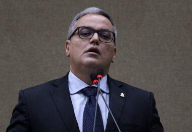 Vereador Lissandro Breval participa da primeira reunião da Comissão de Defesa do Consumidor da CMM