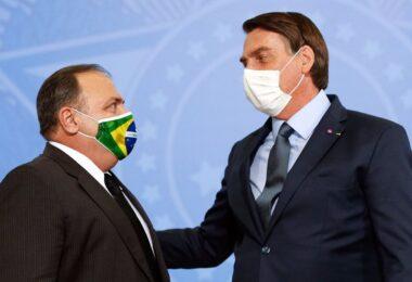 Bolsonaro aposta em vacinação acelerada para sair da crise
