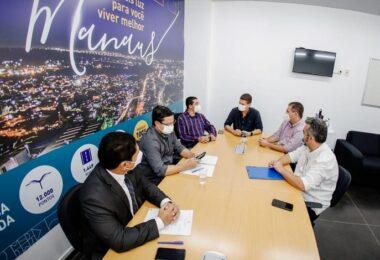 Vereador Peixoto participa de reunião na Seminf para discutir programa de modernização