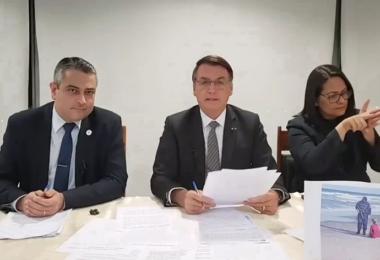 Bolsonaro sinaliza possível liberação da proxalutamida para tratar Covid-19
