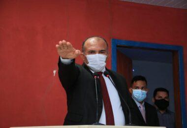 Presidente da Câmara Municipal de Barreirinha contrata empresa de contabilidade por R$ 85 mil
