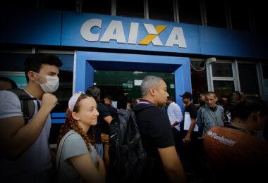 Justiça Federal aumenta para R$ 20 mil a multa para a Caixa Econômica em caso de aglomeração em agências