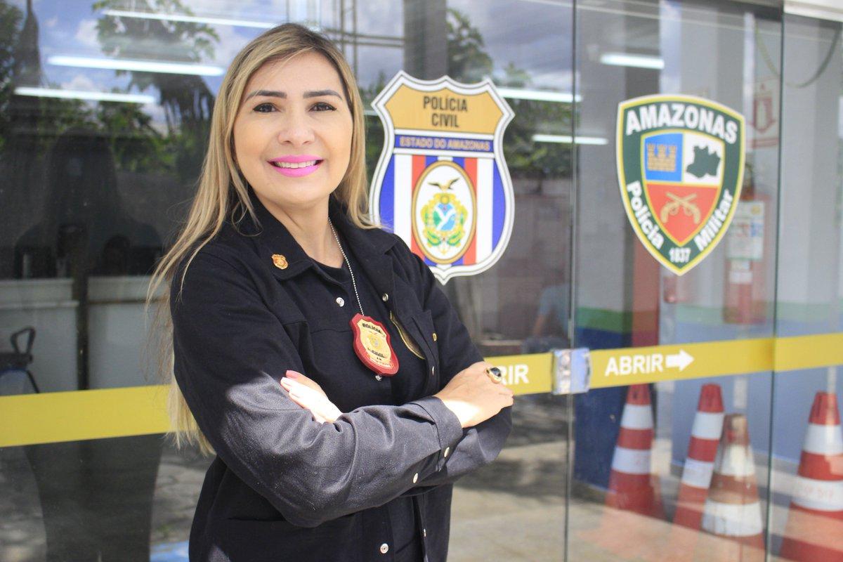 Carla Biaggi - Comissária de Polícia