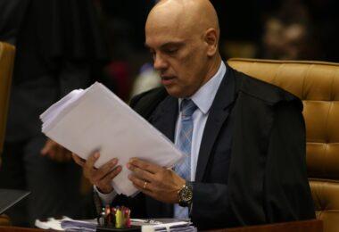 Alexandre de Moraes mantém prisão de denunciado por golpes milionários na internet