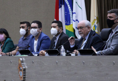 Vereadores de Manaus apoiam projeto que estabelece piso salarial aos profissionais de enfermagem