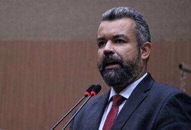 Comissão de Água e Saneamento debate cobrança da taxa de esgoto e tarifa social em Manaus