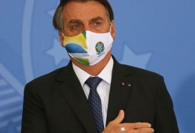 Após suspender emendas para o Amazonas, Bolsonaro diz que 'Manaus é maravilhosa'