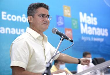 'Pra bandido não se pode dar moleza', diz prefeito de Manaus ao defender armas e até chicote para uso por guardas