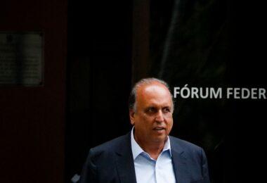 Ex-governador Pezão retira tornozeleira eletrônica