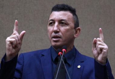 Vereador Sassá pede celeridade na avaliação de projetos de obras para geração de emprego