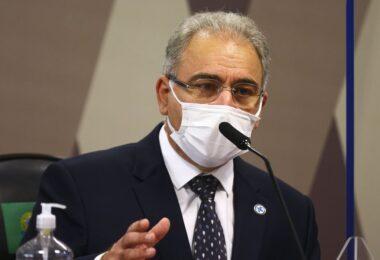 Queiroga diz que Ministério continuará distribuindo a CoronaVac