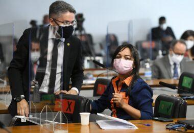 Senadores dizem que MP da privatização da Eletrobras é 'tratoraço' e permite contratação de 'energia suja'