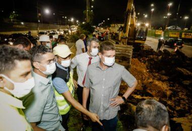 Peixoto acompanha com a prefeitura trabalhos emergenciais na Torquato Tapajós
