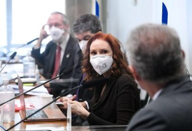 Três de cada quatro mortes por covid poderiam ter sido evitadas, diz Natalia Pasternak