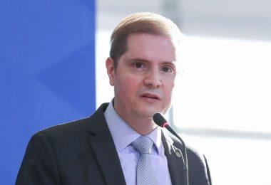 Ministro da AGU é diagnosticado com Covid-19