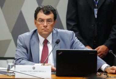 Ambientalistas temem aprovação de PL, com relatoria de Eduardo Braga, que trata de empreendimentos às margens de rios