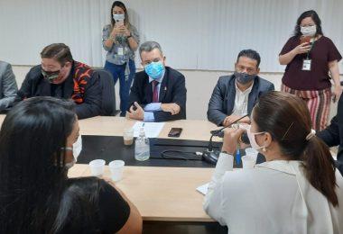 Peixoto participa de reunião para cobrar melhoria no serviço da empresa Águas de Manaus