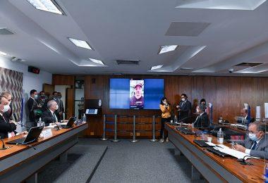 Vídeo de filho de Bolsonaro representa ameaça à CPI da Pandemia, acusam senadores