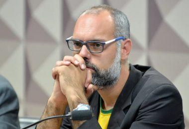 Alexandre de Moraes acolhe pedido da PF e determina prisão de Allan dos Santos
