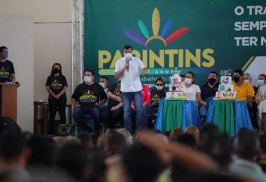 Wilson Lima garante mais de R$ 3 milhões para educação de Parintins