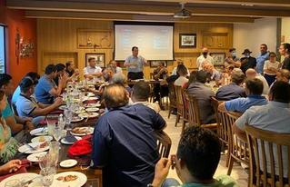 Eduardo Braga se reúne com lideranças em churrascaria de Manaus